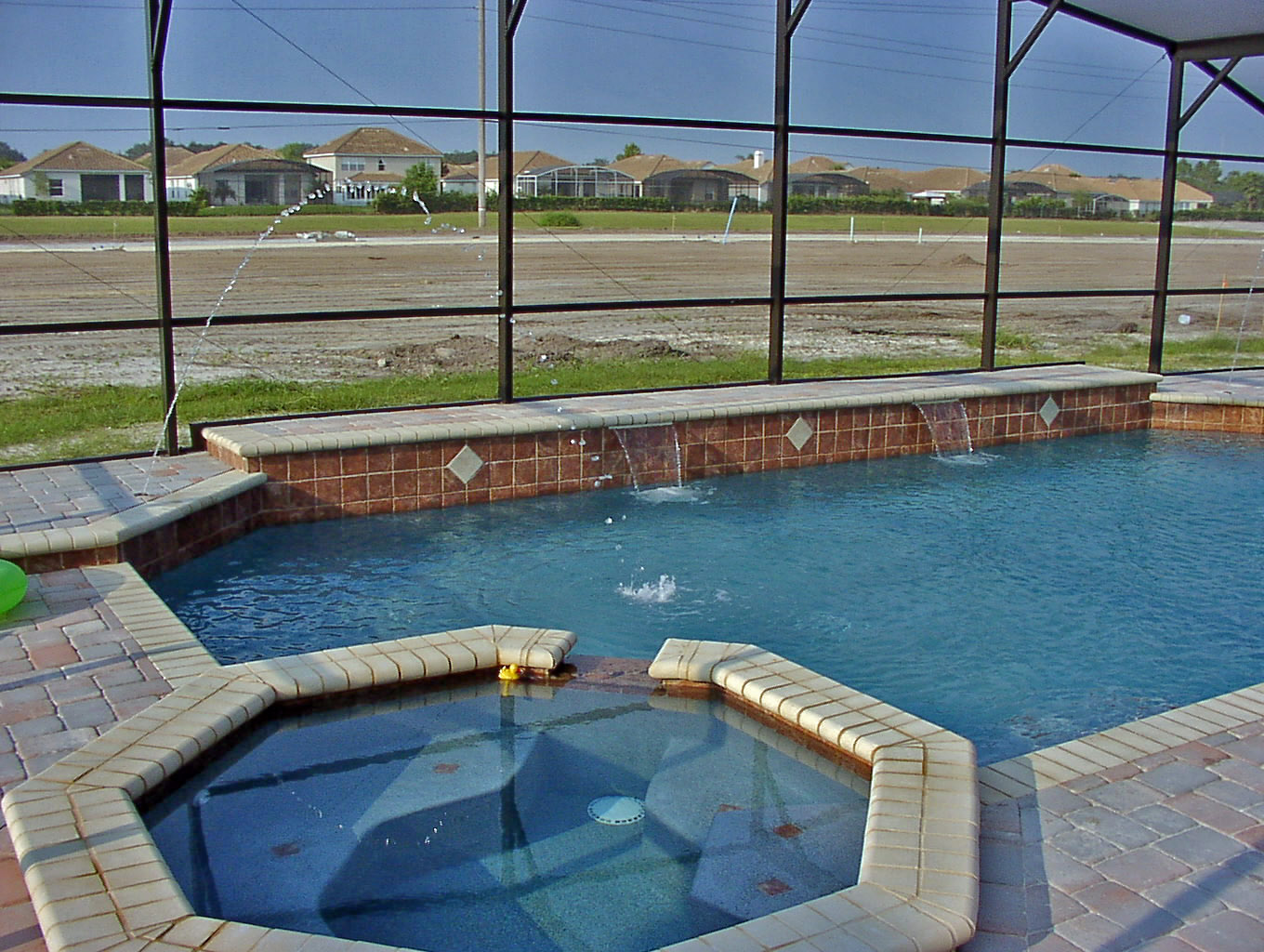 Concrete pools vs fiberglass pools vs vinyl pools Fibreglass pools vs concrete pools