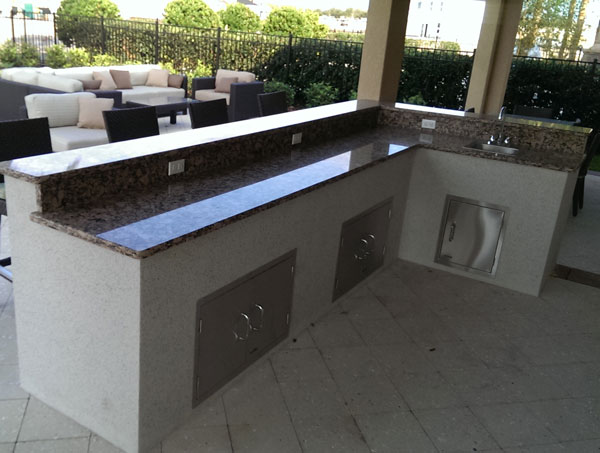 Top 6 mistakes when building an outdoor kitchen for Pool design mistakes