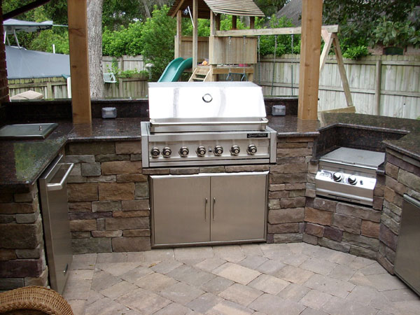 4 ways to create an ultimate outdoor living backyard for Outdoor kitchen designs orlando