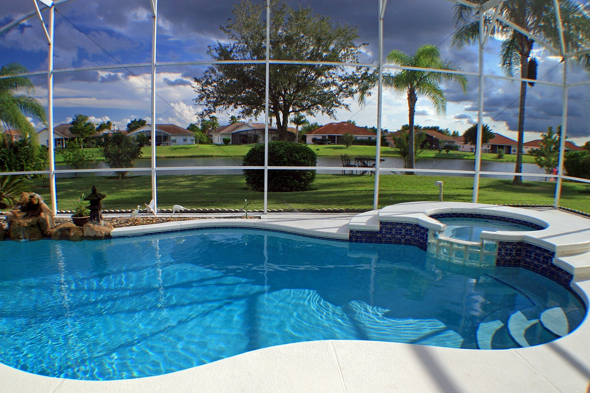 3 Different Types of Swimming Pool Enclosures - American ...