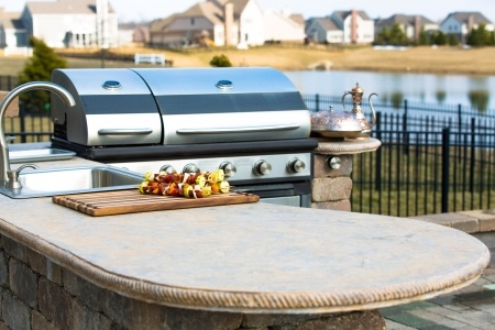 Top Questions To Ask When Hiring An Outdoor Kitchen Contractor