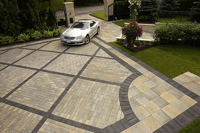 Upgrading to a paver driveway benefits cost maintenance for New driveway ideas