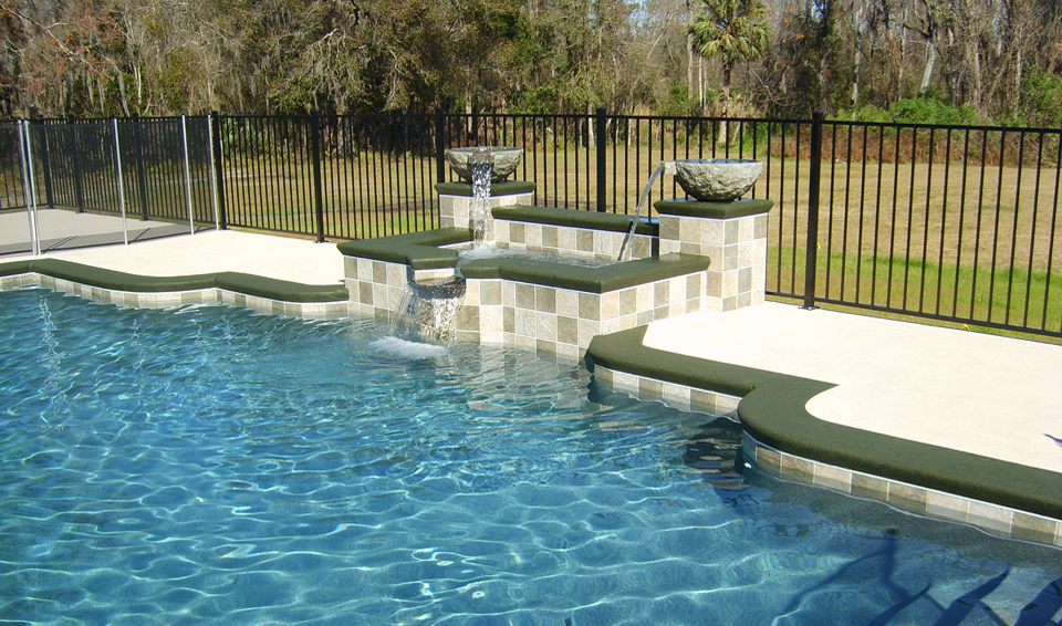 3 Types Of Pool Fences Know The Difference